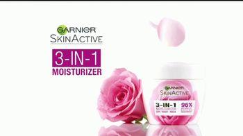 Garnier 3-in-1 Moisturizer TV Spot, 'Uno que funciona' [Spanish] - Thumbnail 9