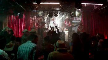 KFC Smoky Mountain BBQ TV Spot, 'Honky Tonk' Featuring Reba McEntire - Thumbnail 5