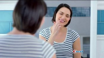 Crest Gum Detoxify TV Spot, 'Irritated Gums' - Thumbnail 1