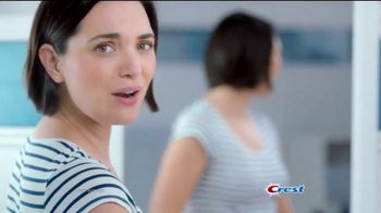 Crest Gum Detoxify TV Spot, 'Irritated Gums' - Thumbnail 2