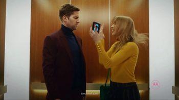 Motorola Smart Speaker With Amazon Alexa TV Spot, 'Elevator: Funky Place' - Thumbnail 5