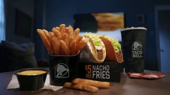 Taco Bell Nacho Fries $5 Box TV Spot, 'Mentiras' con Josh Duhamel [Spanish] - Thumbnail 8