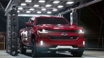 2018 Chevrolet Silverado 1500 TV Spot, 'Powerful' [T2]