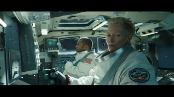 Lyft TV Spot, 'Riding Shotgun' Featuring Tilda Swinton, Jordan Peele - Thumbnail 6