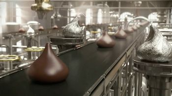 Hershey's Kisses TV Spot, 'Baking With Kisses' - Thumbnail 2