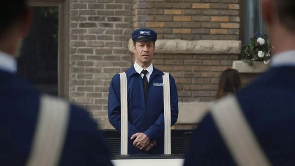 Maytag TV Commercial, 'Delivery' Featuring Colin Ferguson