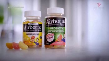 Airborne Gummies TV Spot, 'Living Well: Busy' Featuring Ereka Vetrini - Thumbnail 9