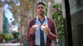 Dunkin' Donuts Bacon, Egg and Cheese Croissant TV Spot, 'Dos' [Spanish] - 1433 commercial airings