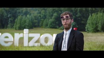 Verizon Unlimited TV Spot, 'Horse: Four Lines' Featuring Thomas Middleditch - Thumbnail 7
