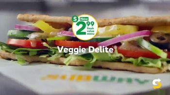 Subway $2.99 Fresh Value Menu TV Spot, 'A Deal' Song by Leroy Van Dyke - Thumbnail 6