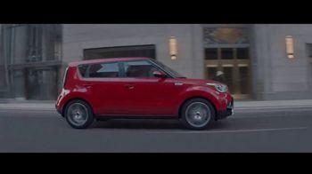Otoño de Ahorros de Kia TV Spot, 'Hámster turbo: 2017 Soul Turbo' [Spanish] [T1] - Thumbnail 4