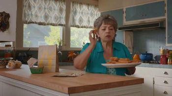 McDonald's Buttermilk Crispy Tenders TV Spot, 'Cena de la abuela' [Spanish] - Thumbnail 4