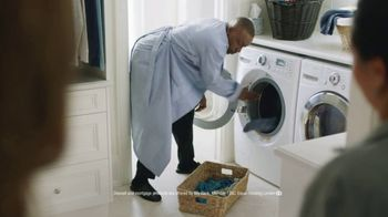 Ally Bank TV Spot, 'Seriously Anything: Laundry' Featuring Arsenio Hall - Thumbnail 9