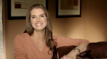 La-Z-Boy Columbus Day Sale TV Spot 'Potluck' Featuring Brooke Shields - 194 commercial airings