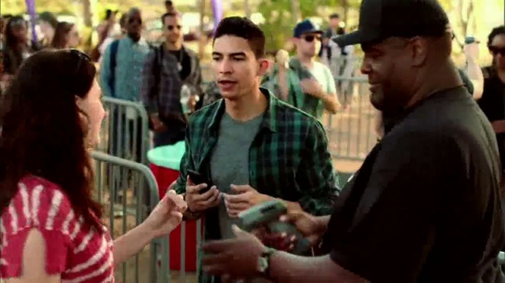 MetroPCS Unlimited 4G LTE TV Commercial, 'Unlimited Deal: Two 32GB Phones'  - Video