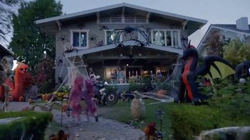 The Home Depot TV Spot, 'Welcome Back Fall: Leaf Blower' - Thumbnail 5