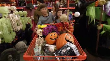 The Home Depot TV Spot, 'Welcome Back Fall: Leaf Blower' - Thumbnail 6