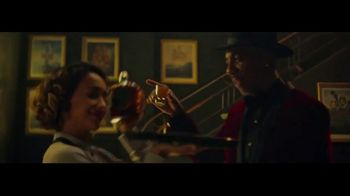 Crown Royal Regal Apple TV Spot, 'It's Apple Time' Featuring JB Smoove - Thumbnail 3