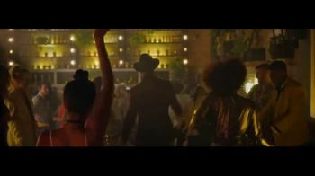 Crown Royal Regal Apple TV Spot, 'It's Apple Time' Featuring JB Smoove - Thumbnail 6