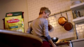 Bertolli Chicken Florentine & Farfalle TV Spot, 'A Meal to Remember'