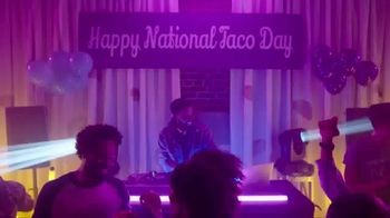 Taco Bell National Taco Day TV Spot, 'Season Beefings' Song by Cut One - Thumbnail 2
