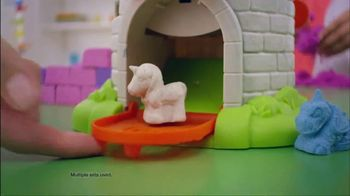 Kinetic Sand Magic Molding Tower TV Spot, 'Give It a Squish' - Thumbnail 5