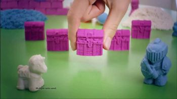 Kinetic Sand Magic Molding Tower TV Spot, 'Give It a Squish' - Thumbnail 8