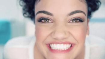 Crest TV Spot, 'Laurie Hernández le sonríe a su día' [Spanish] - Thumbnail 4