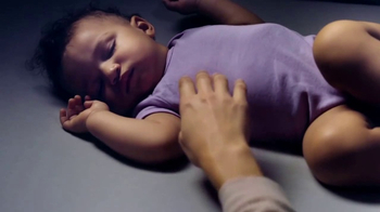 Johnson's Baby TV Spot, 'How to Get Your Baby to Sleep: Bedtime Routine' - Thumbnail 6
