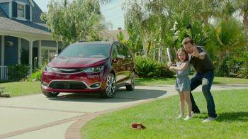 2017 Chrysler Pacifica TV Spot, 'Grandpa Words' [T2]