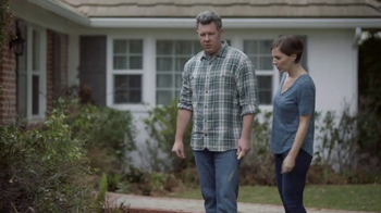 Lowe's Refresh Your Outdoors Event TV Spot, 'The Moment: Shrubs' - Thumbnail 3