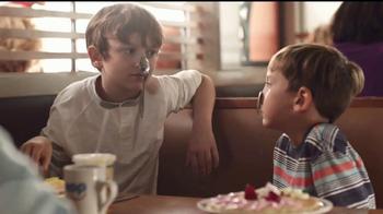 IHOP TV Spot, 'La historia de dos hermanos' [Spanish] - Thumbnail 1