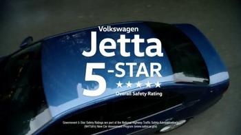 2017 Volkswagen Jetta TV Spot, 'Bear' [T2] - Thumbnail 8