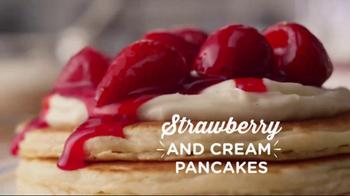 IHOP Springtime Pancakes TV Spot, 'Have a Fling This Spring' - Thumbnail 4