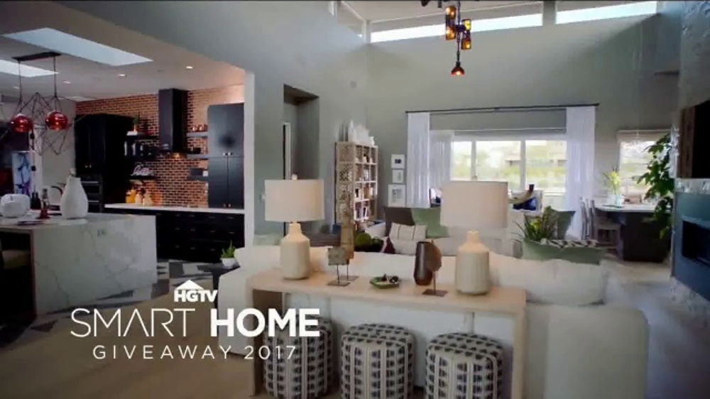2017 hgtv smart home giveaway tv commercial 39 modern desert home 39. Black Bedroom Furniture Sets. Home Design Ideas