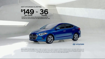 2017 Hyundai Elantra TV Spot, 'Invisible' [T2] - Thumbnail 8