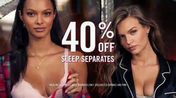 Victoria's Secret Sleep Separates TV Spot, 'Holiday Discount' - Thumbnail 4