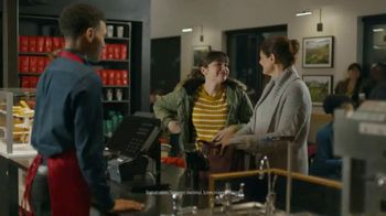 VISA TV Spot, 'Starbucks: Tap Into the Holiday Spirit' Ft. Jonathan Stewart - Thumbnail 4