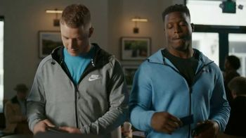 VISA TV Spot, 'Starbucks: Tap Into the Holiday Spirit' Ft. Jonathan Stewart - Thumbnail 7