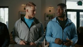 VISA TV Spot, 'Starbucks: Tap Into the Holiday Spirit' Ft. Jonathan Stewart - Thumbnail 8