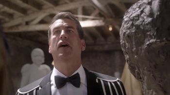 Dos Equis TV Spot, 'Most Interesting Fan: Sculpting' Featuring Rob Riggle - Thumbnail 7
