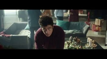 Heineken TV Spot, 'Traditions' Featuring Benicio del Toro - Thumbnail 3