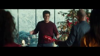 Heineken TV Spot, 'Traditions' Featuring Benicio del Toro - Thumbnail 4