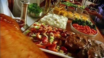 Golden Corral Thanksgiving Day Buffet TV Spot, 'Holiday Feast' - Thumbnail 1