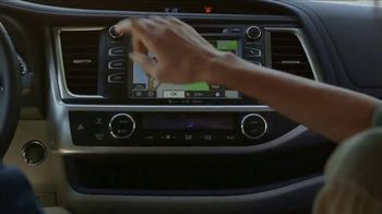 2017 Toyota Highlander XLE TV Spot, 'Live With Peace of Mind' - Thumbnail 2