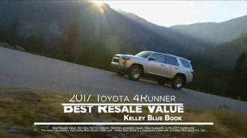 2017 Toyota Highlander XLE TV Spot, 'Live With Peace of Mind' - Thumbnail 4