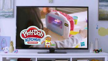 Play-Doh Kitchen Creations TV Spot, 'Universal Kids: Baking Cookies' - Thumbnail 10