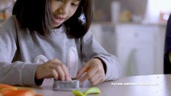 Play-Doh Kitchen Creations TV Spot, 'Universal Kids: Baking Cookies' - Thumbnail 2