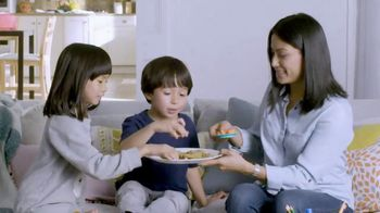 Play-Doh Kitchen Creations TV Spot, 'Universal Kids: Baking Cookies' - Thumbnail 7
