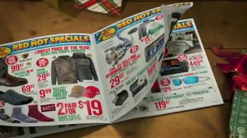 Bass Pro Shops 5 Day Sale TV Spot, 'Red Hot: Blanket-Wrap Scarves' - Thumbnail 3